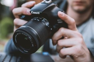 What to Consider When Buying a DSLR Camera